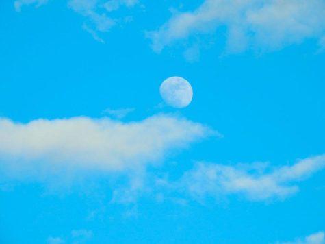 Луна, голубое небо, облака, день, фото