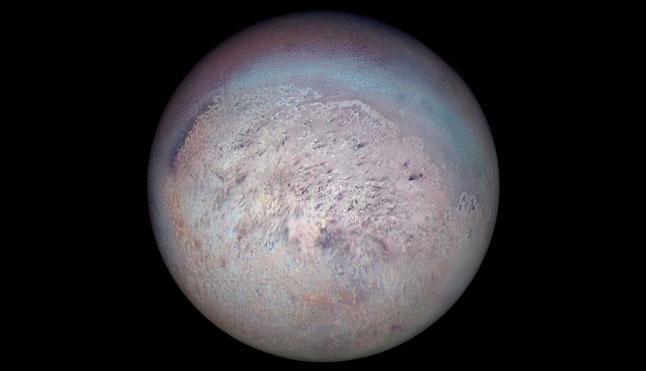 Тритон, фото, спутник, сателлит, Сатурн, НАСА, NASA, Voyager 2, Вояджер 2