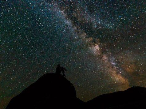 Млечный путь, галактика, звездное небо, ночь, человек, наблюдатель, гора, силуэт, фото